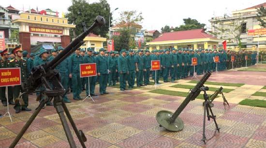 Ban chỉ huy Quân sự huyện Thạch Thất tổ chức Lễ ra quân huấn luyện