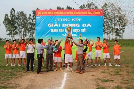 Chung kết giải bóng đá thanh niên huyện Thạch Thất năm 2015.