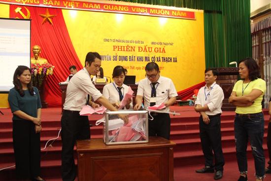 Phiên đấu giá quyền sử dụng đất tại xã Thạch Xá- huyện Thạch Thất