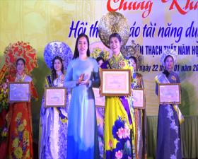 """Chung khảo Hội thi """"cô giáo tài năng duyên dáng"""" ngành Giáo dục- Đào tạo huyện Thạch Thất năm học 2021- 2021"""