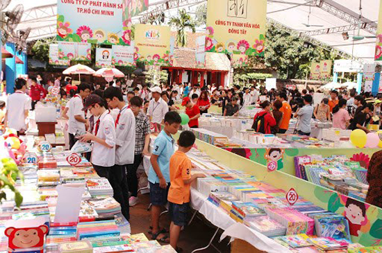 Thạch Thất hưởng ứng Ngày Sách Việt Nam (21/4) và tổ chức các hoạt động văn hóa đọc năm 2021- Đưa sách đến với người dân