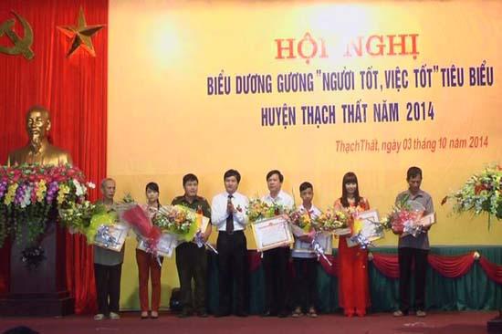 Hội nghị biểu dương gương người tốt việc tốt tiêu biểu huyện Thạch Thất năm 2014.