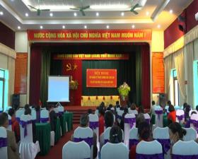 Phòng Kinh tế huyện tập huấn kỹ thuật chăm sóc, phòng trừ sâu bệnh cho cây trồng vụ xuân tại xã Bình Yên