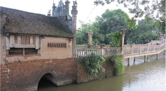 Cầu Khum - cây cầu cổ ở xã Thạch Xá - huyện Thạch Thất