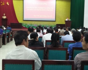 Huyện Thạch Thất bồi dưỡng nghiệp vụ công tác tổ chức xây dựng Đảng năm 2019