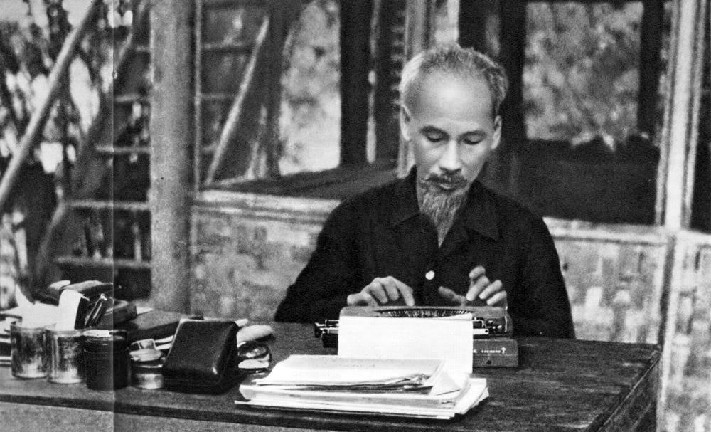 Kỷ niệm 70 năm ngày Bác Hồ về ở và làm việc tại huyện Thạch Thất (13/01/1947– 13/01/2017): Một số tác phẩm tiêu biểu Bác Hồ viết trong 19 ngày đêm ở huyện Thạch Thất