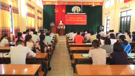 Thạch Thất khai giảng lớp Sơ cấp lý luận chính trị năm 2017