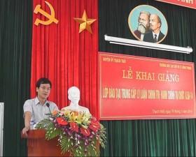 Khai giảng lớp trung cấp Chính trị-hành chính