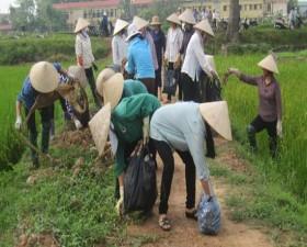 Phát động ra quân làm sạch đồng ruộng tại xã Lại Thượng