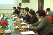 Các đồng chí Huyện ủy đi thăm và làm việc tại khu công nghệ cao Hòa Lạc