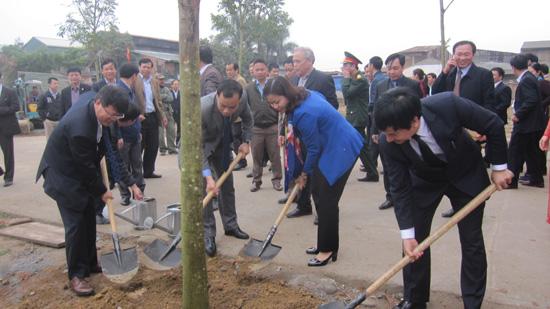 Thạch Thất tổ chức Lễ phát động Tết trồng cây đầu xuân.