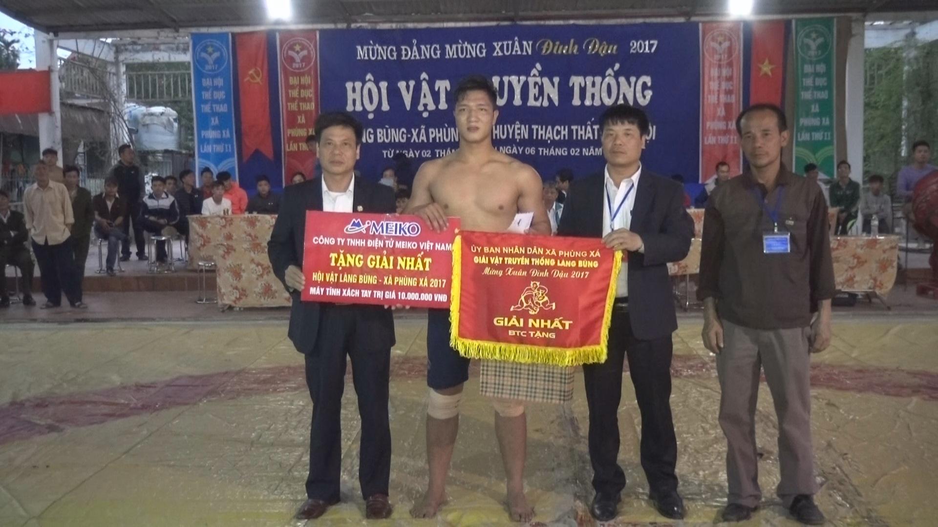 Bế mạc giải vật xuân Đinh Dậu 2017 làng Bùng xã Phùng Xá