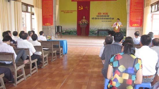 Bình Phú tuyên truyền Hiến pháp năm 2013.