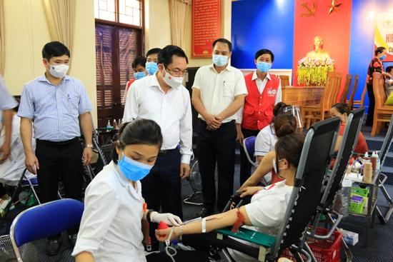 Ngày hội Hiến máu tình nguyện tại Cụm 7 và Cụm 8