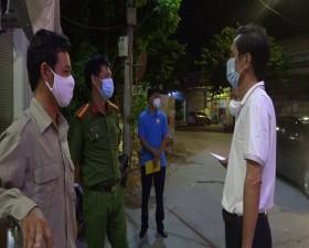 Lãnh đạo huyện Thạch Thất kiểm tra, động viên lực lượng làm nhiệm vụ tại một số chốt kiểm dịch trên địa bàn huyện