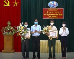 Xã Đại Đồng trao Huy hiệu Đảng; quán triệt 7 Chương trình công tác của Huyện ủy