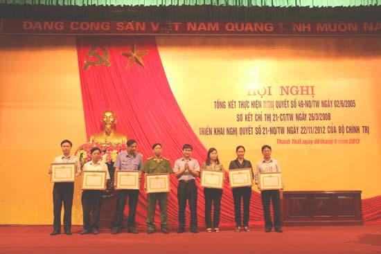 Huyện ủy Thạch Thất  tổng kết thực hiện Nghị quyết 49/2005, sơ kết Chỉ thị 21/2008 và triển khai NQ 21/2012 của Bộ Chính trị.
