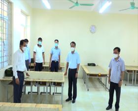 Đồng chí Chủ nhiệm Ủy ban Kiểm tra Thành ủy kiểm tra công tác phòng, chống dịch tại huyện Thạch Thất