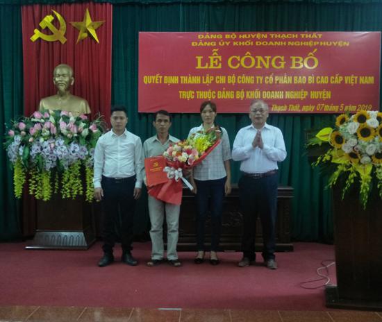 Lễ công bố Quyết định thành lập Chi bộ Công ty Cổ phần Bao bì cao cấp Việt Nam