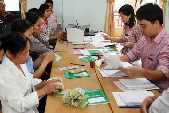 Hội Nông dân Huyện giải ngân vay vốn Quỹ hỗ trợ nông dân