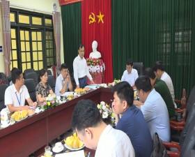 Đồng chí Bí thư Huyện ủy làm việc với Ban Chấp hành Đảng bộ xã Yên Bình