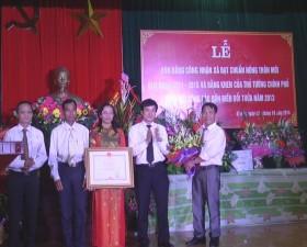 Xã Dị Nậu đón Bằng công nhận xã đạt chuẩn nông thôn mới và bằng khen của Thủ tướng