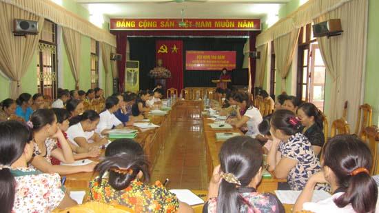 Phụ nữ huyện Thạch Thất tổ chức tọa đàm về nâng cao vai trò trách nhiệm trong xây dựng  nông thôn mới.