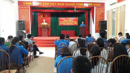 Khai giảng lớp truyền nghề mộc cho lao động nông thôn tại xã Cần Kiệm