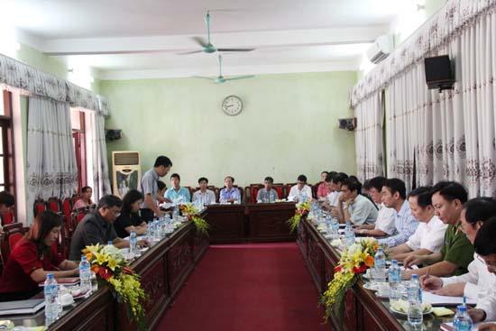 Đoàn kiểm tra phổ biến giáo dục pháp luật thành phố Hà Nội kiểm tra tại huyện Thạch Thất.