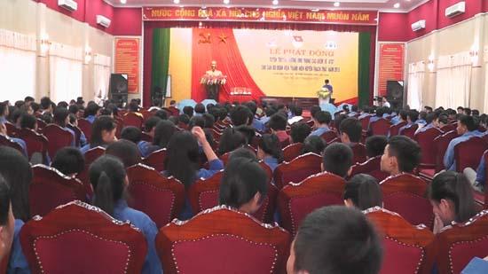 Huyện Thạch Thất phát động tuyên truyền, hưởng ứng tháng cao điểm ATGT cho cán bộ, đoàn viên thanh niên năm 2015.