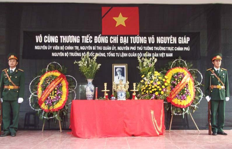 Lễ viếng Đại tướng Võ Nguyên Giáp tại huyện Thạch Thất.