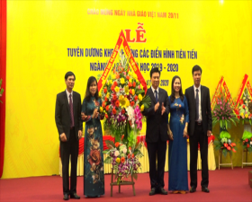 Thạch Thất: Kỷ niệm ngày Nhà giáo Việt Nam và tuyên dương, khen thưởng các điển hình tiên tiến trong ngành Giáo dục- Đào tạo năm học 2019- 2020