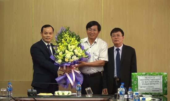 Đoàn công tác huyện Lâm Hà thăm, làm việc với huyện Thạch Thất