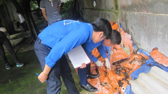 Huyện đoàn Thạch Thất phát động chiến dịch ra quân vệ sinh môi trường phòng chống dịch bệnh sốt xuất huyết