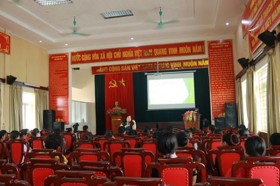 """Hội LHPN xã Thạch Hòa tổ chức hội nghị tuyên truyền đề án """"Hỗ trợ phụ nữ thủ đô khởi nghiệp"""""""