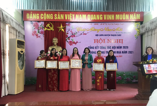 Hội LHPN huyện Thạch Thất tổng kết công tác Hội năm 2020; phát động phong trào thi đua năm 2021
