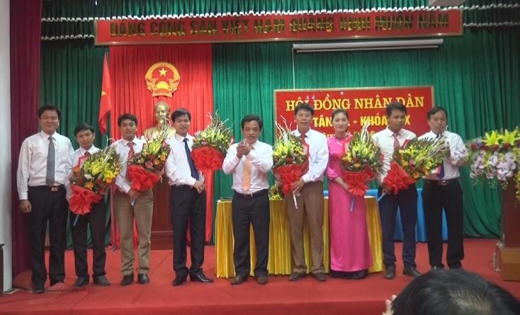 Kỳ họp thứ nhất HĐND xã Tân Xã khóa XIX, nhiệm kỳ 2016 - 2021
