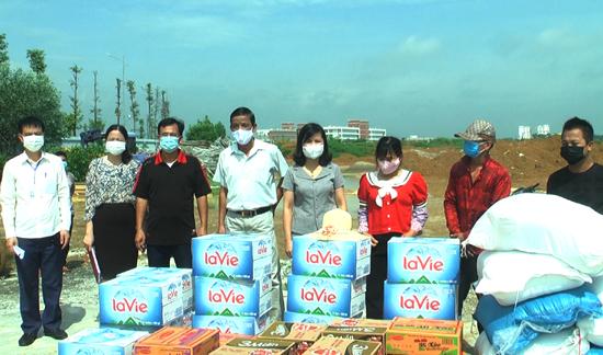 Các nhóm người gặp khó khăn do ảnh hưởng của đại dịch Vovid-19 được hỗ trợ  theo Nghị quyết số 15/NQ-HĐND của Hội đồng Nhân dân Thành phố Hà Nội