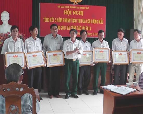 """Cựu chiến binh huyện Thạch Thất tổng kết 5 năm """"Cựu chiến binh gương mẫu""""."""