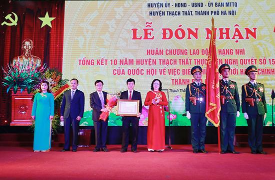 Huyện Thạch Thất tổ chức Lễ đón nhận Huân chương lao động hạng Nhì