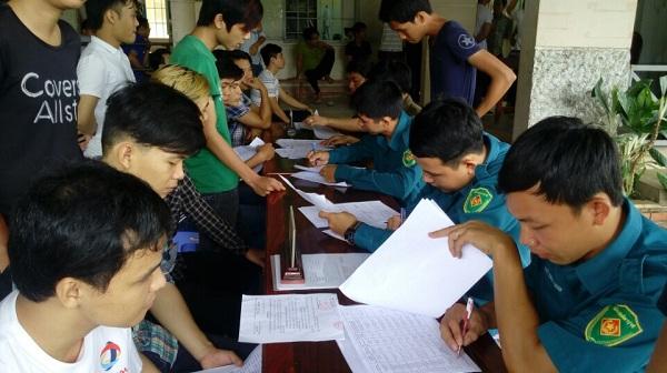 Xã Cần Kiệm tổ chức khám sơ tuyển sức khỏe nghĩa vụ quân sự năm 2018