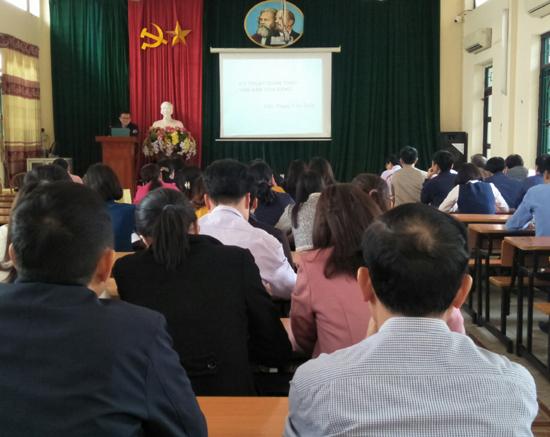 Thạch Thất khai giảng lớp Bồi dưỡng kỹ năng soạn thảo văn bản năm 2020