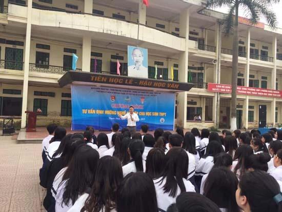 Thạch Thất: Tư vấn định hướng nghề nghiệp cho học sinh THPT