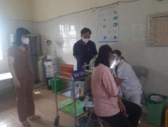 Thạch Thất: Chuẩn bị các điều kiện sẵn sàng cho tiêm chủng vacxin phòng Covid-19 đợt 8