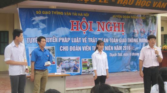 Học sinh Thạch Thất được tuyên truyền về an toàn giao thông