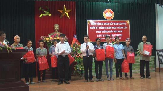 Thôn Hòa Bình- xã Dị Nậu tổ chức ngày hội đại đoàn kết toàn dân tộc năm 2015.