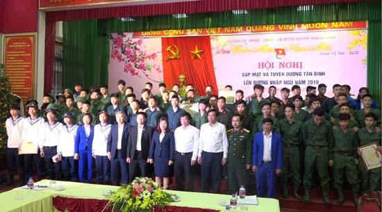 Huyện Thạch Thất Gặp mặt và biểu dương tân binh năm 2019