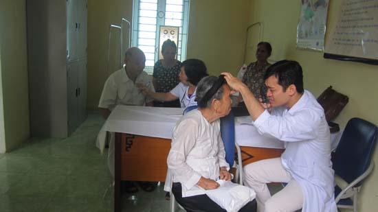 Thạch Xá khám sức khỏe cho người cao tuổi