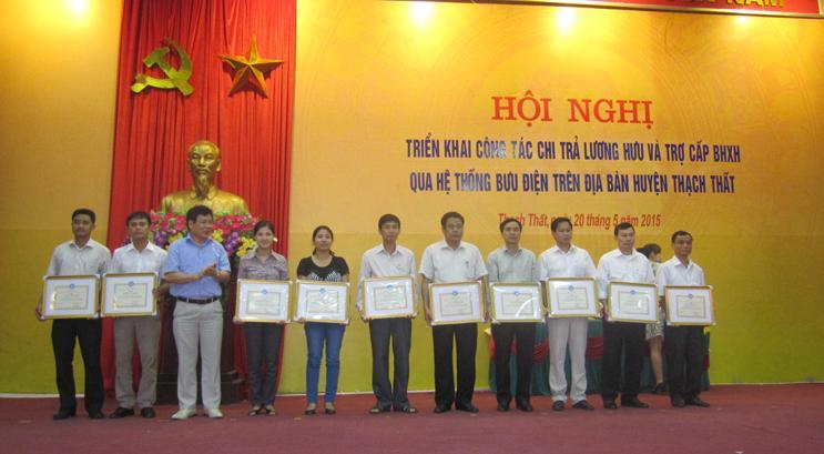 Thạch Thất triển khai công tác chi trả  lương hưu và trợ cấp BHXH qua hệ thống bưu điện