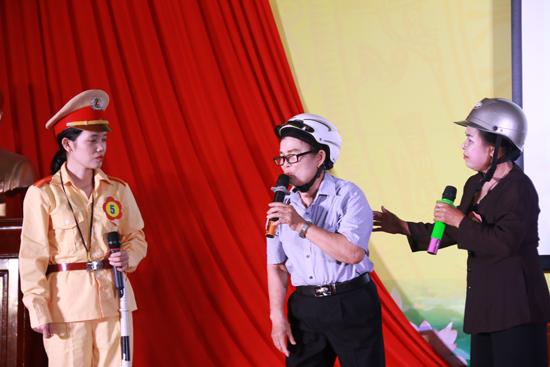 Hội LHPN huyện tổ chức hội thi Tuyên truyền viên giỏi an toàn giao thông, trật tự văn minh đô thị năm 2019